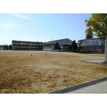 南山本小学校