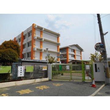 山本小学校