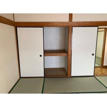 2階和室8帖収納