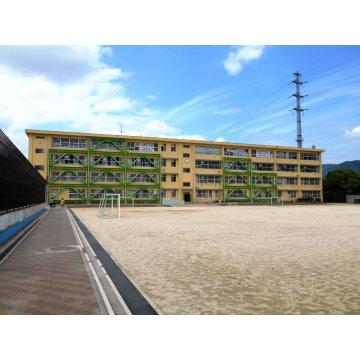 東山本小学校